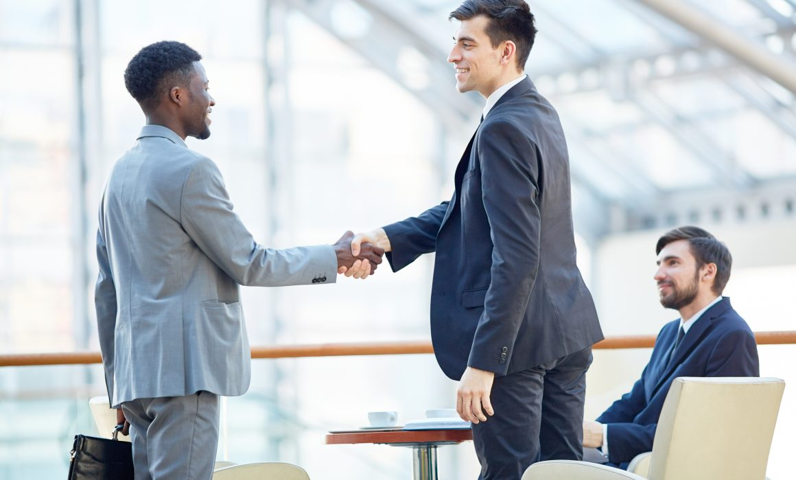 How to build a good relationship, professional relationship building skills, how to build trust in the workplace, emotional intelligence, team building, rapport, network